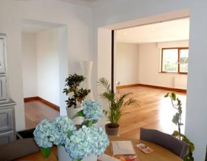 Intérieur de l'extension maison en bouis de marque Tahon